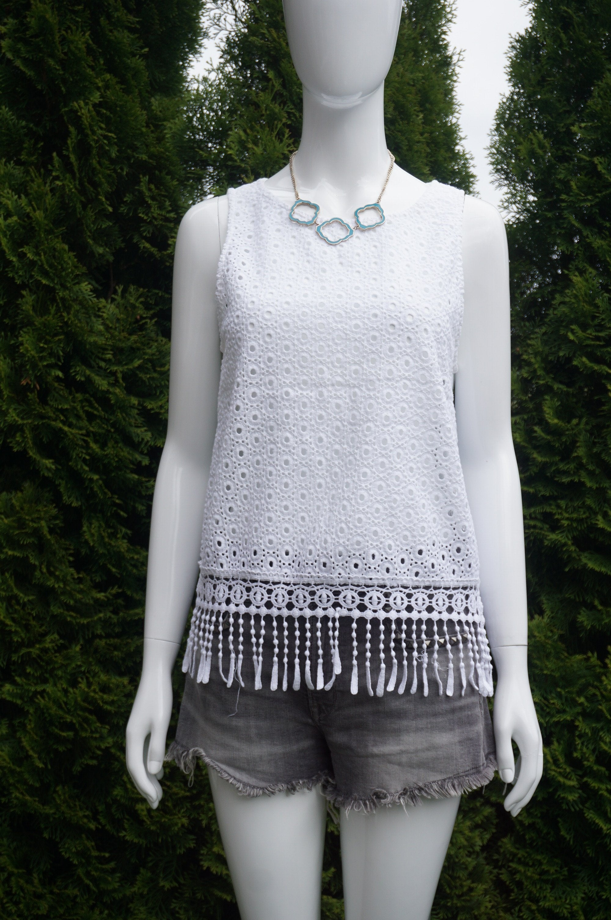 Pull & Bear White Eyelet Sleeveless Top With Fringe Details, Simple yet with all the unique characters. Perfect top for a hot summer day., White, 100% Cotton, women's Tops, women's White Tops, Pull & Bear women's Tops, tassel top, top with fringes, white eyelet top, sleeveless top, white summer top, summer sleeveless top