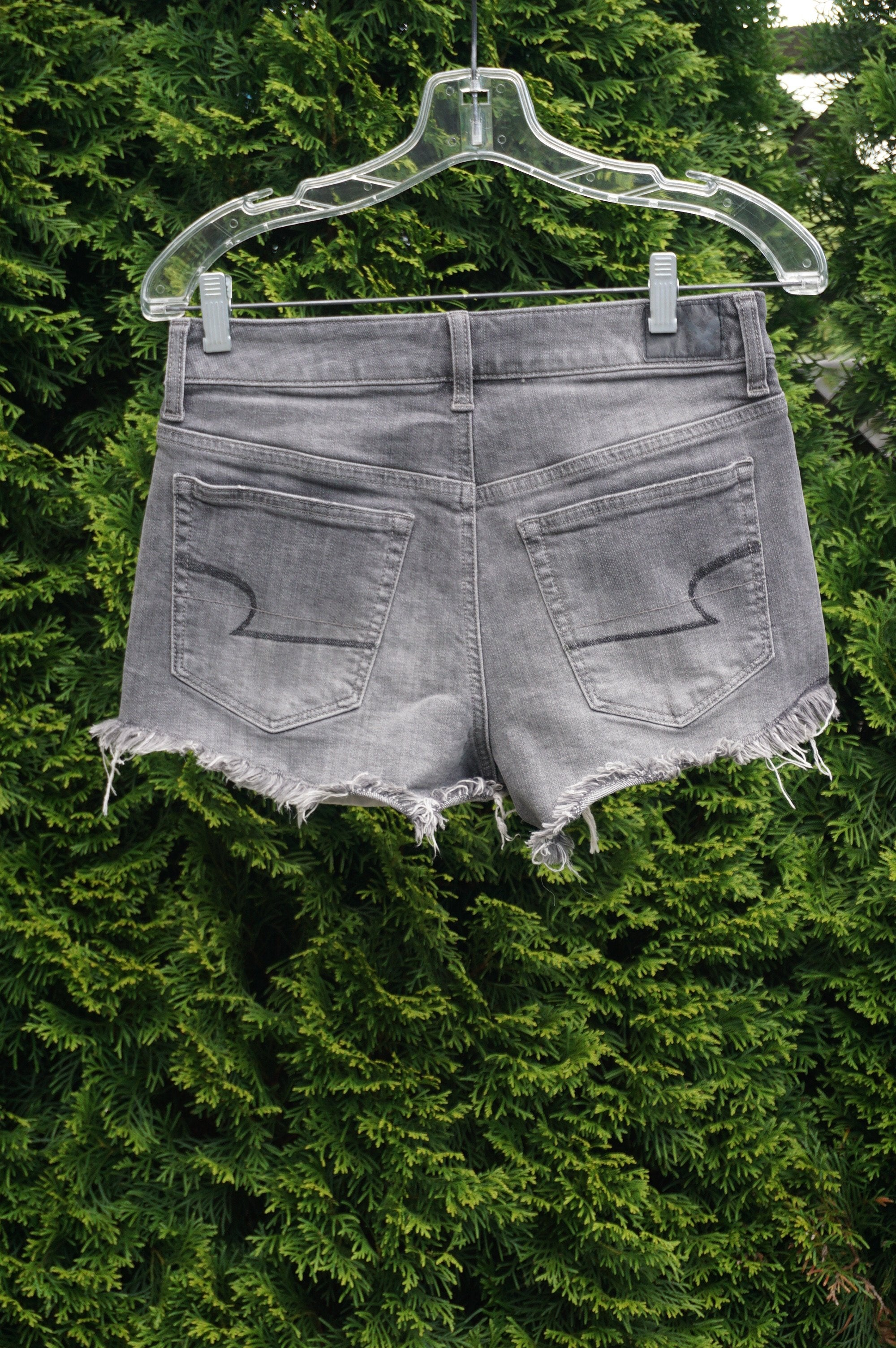 American Eagle Grey Jean Shorts, waist 29, leg opening 24, length 10.5 (inches), Grey, 100% Cotton, women's Skirts & Shorts, women's Grey Skirts & Shorts, American Eagle women's Skirts & Shorts, jean short, summer shorts,