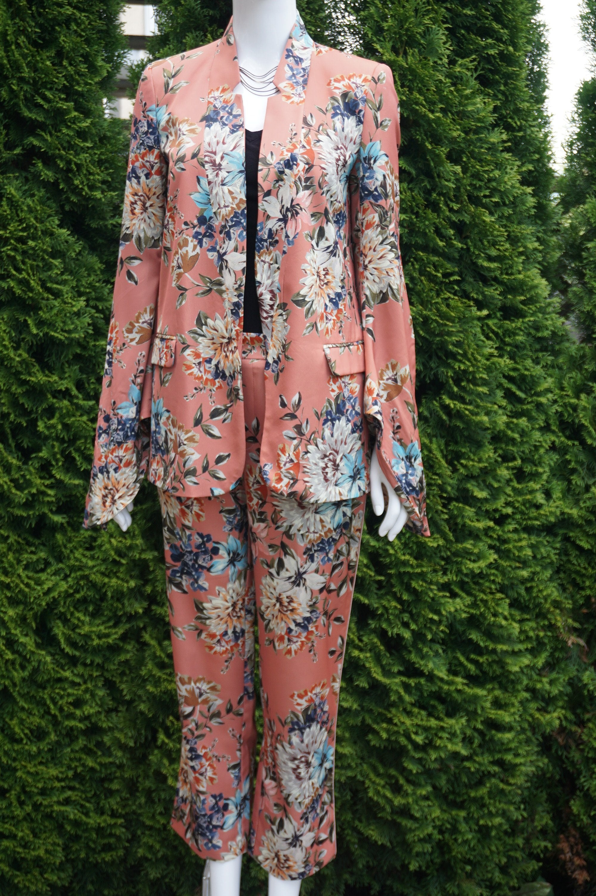 Zara Floral Pant Suit, This unique floral pantsuit helps you take on the world while looking feminine and elegant doing it. Pants length 36 inches, Waist 29 inches, elastic in the back. Suit jacket length 27 inches. Suit shoulder 15 inches. , Pink, women's Jackets & Coats, Pants, women's Pink Jackets & Coats, Pants, Zara women's Jackets & Coats, Pants, women's pantsuit, women's pant suit, floral pink suit