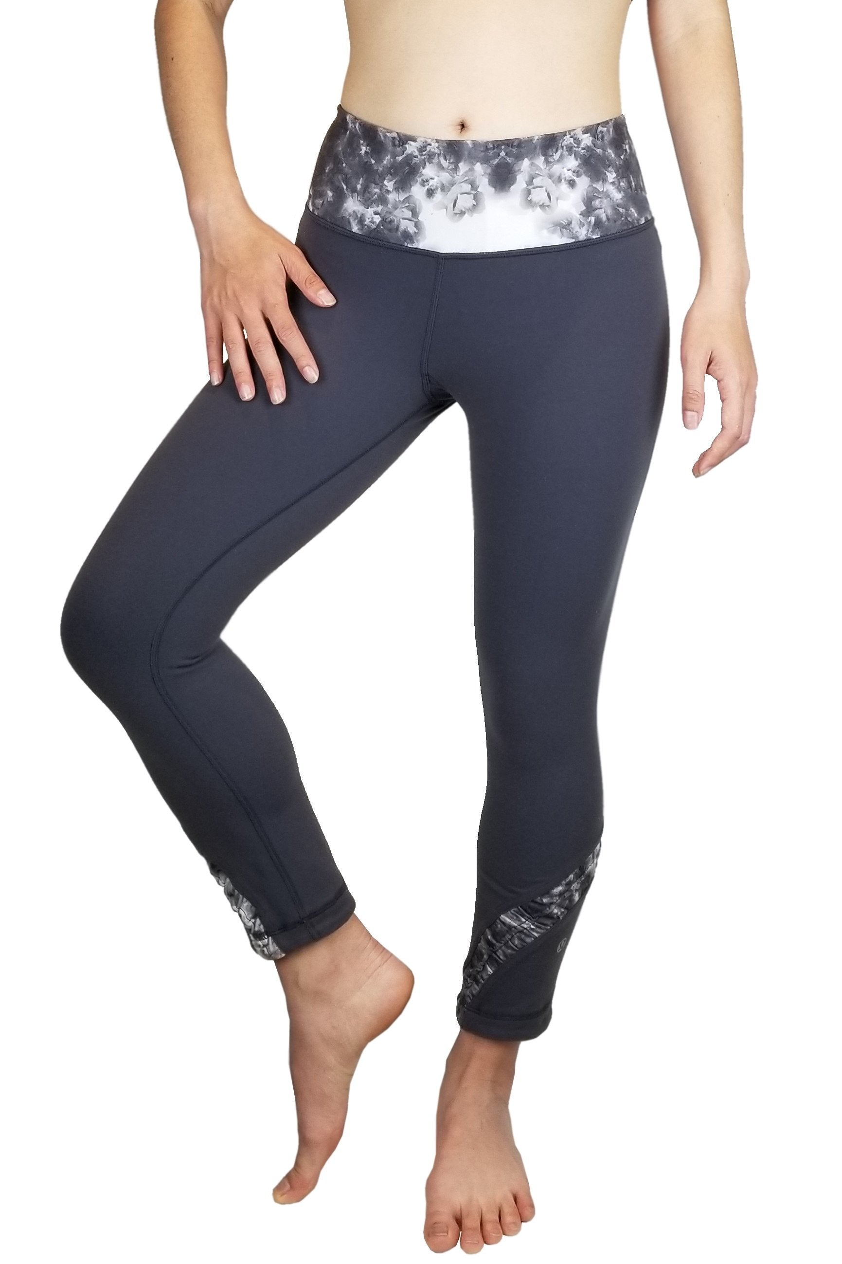 Lululemon Tight Yoga Pants, Vancouver street wear/Yoga pants. Lululemon size 4. https://info.lululemon.com/help/size-chart, Grey, Nylon, Lycra, and Spandex, women's Activewear, women's Grey Activewear, Lululemon women's Activewear, Yoga, yoga pants, women's athletic wear, women's work out clothes, women's comfortable pants, fitness, fit
