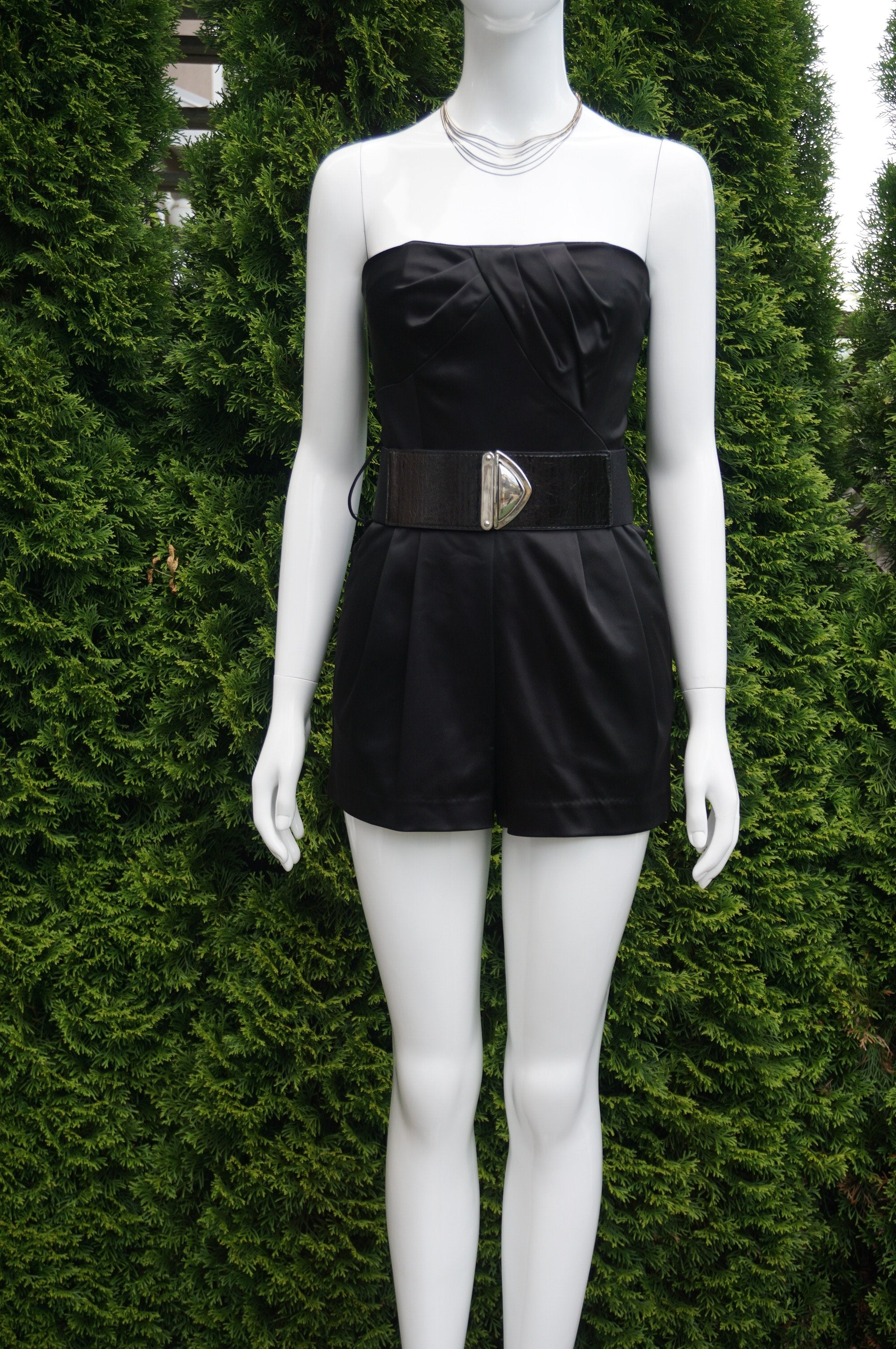 Bebe Strapless Heart Solid Black Mini Romper, This Super Stylish and Sexy Mini Romper helps you stand out in the crowd in concerts and night clubs. Complimentaty belt. Breast 31 inches, waist 25 inches, 22 inches length measured from top of breast., Black, women's Dresses & Rompers, women's Black Dresses & Rompers, Bebe women's Dresses & Rompers, Solid Black Jumpsuit, Solid Black Mini Romper, Tube Strapless mini romper