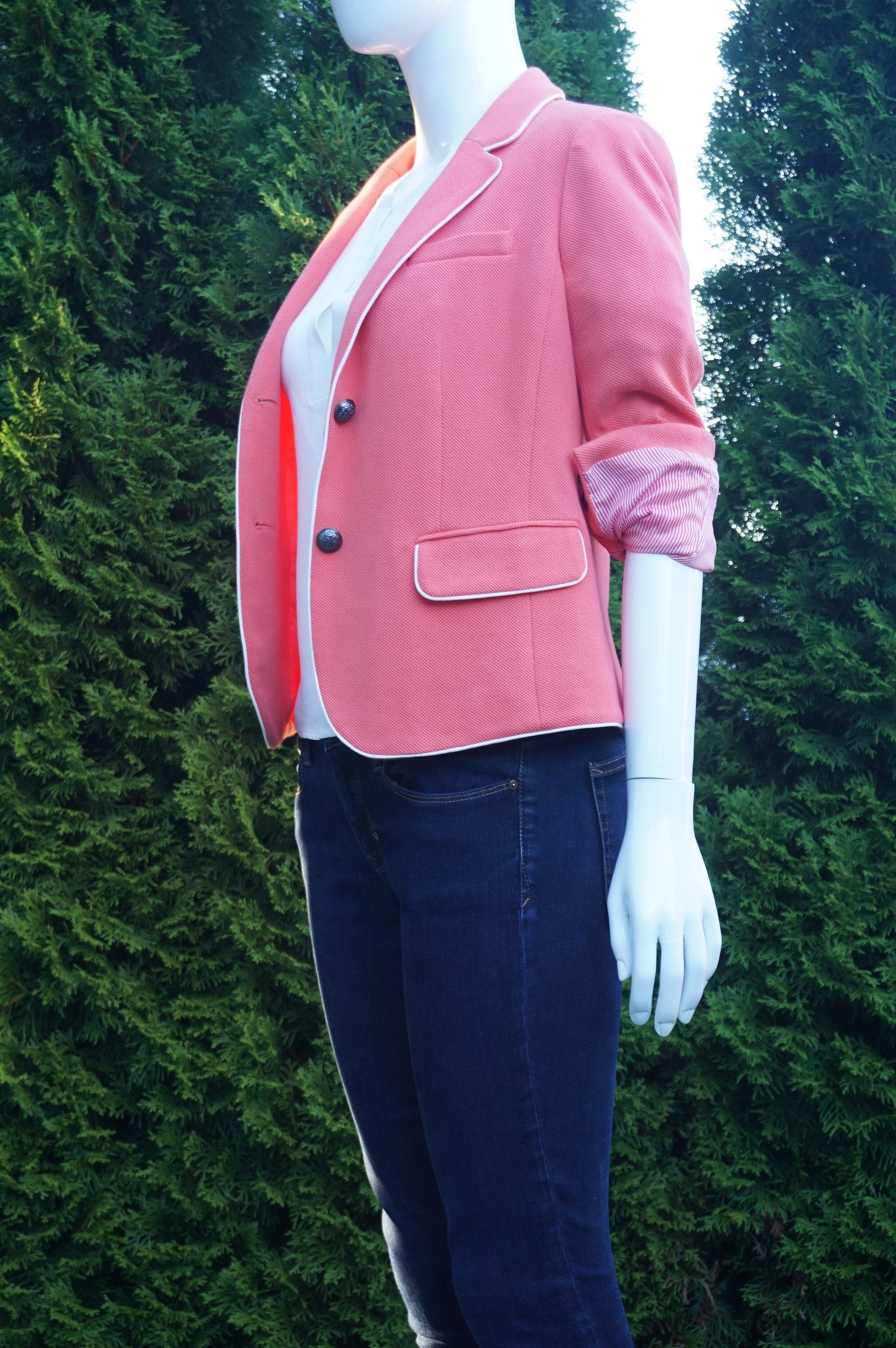 Gap Petite Pink Cotton Suit Jacket, Chic professional suit Jacket. 4 Petite. Shoulder to Shoulder 15 inches. Breast 34 inches, length 24 inches, Pink, women's Jackets & Coats, women's Pink Jackets & Coats, Gap Petite women's Jackets & Coats, pink jacket, pink suit, pink blazer
