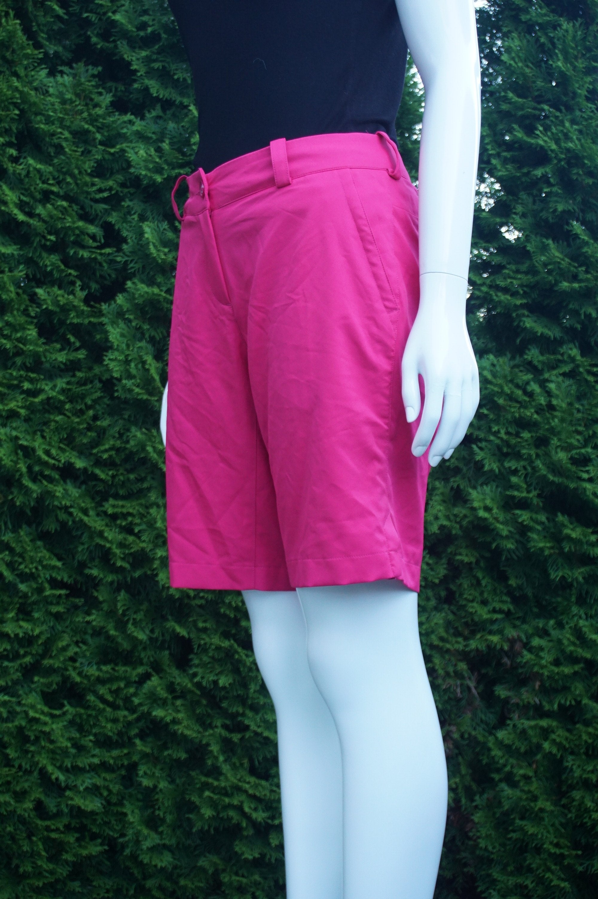 Nike Pink Golf Shorts, Waist 32 inches, length 18 inches., Pink, women's Skirts & Shorts, women's Pink Skirts & Shorts, Nike women's Skirts & Shorts, loose pants. Gold pants. Gold shorts, summer loose pants