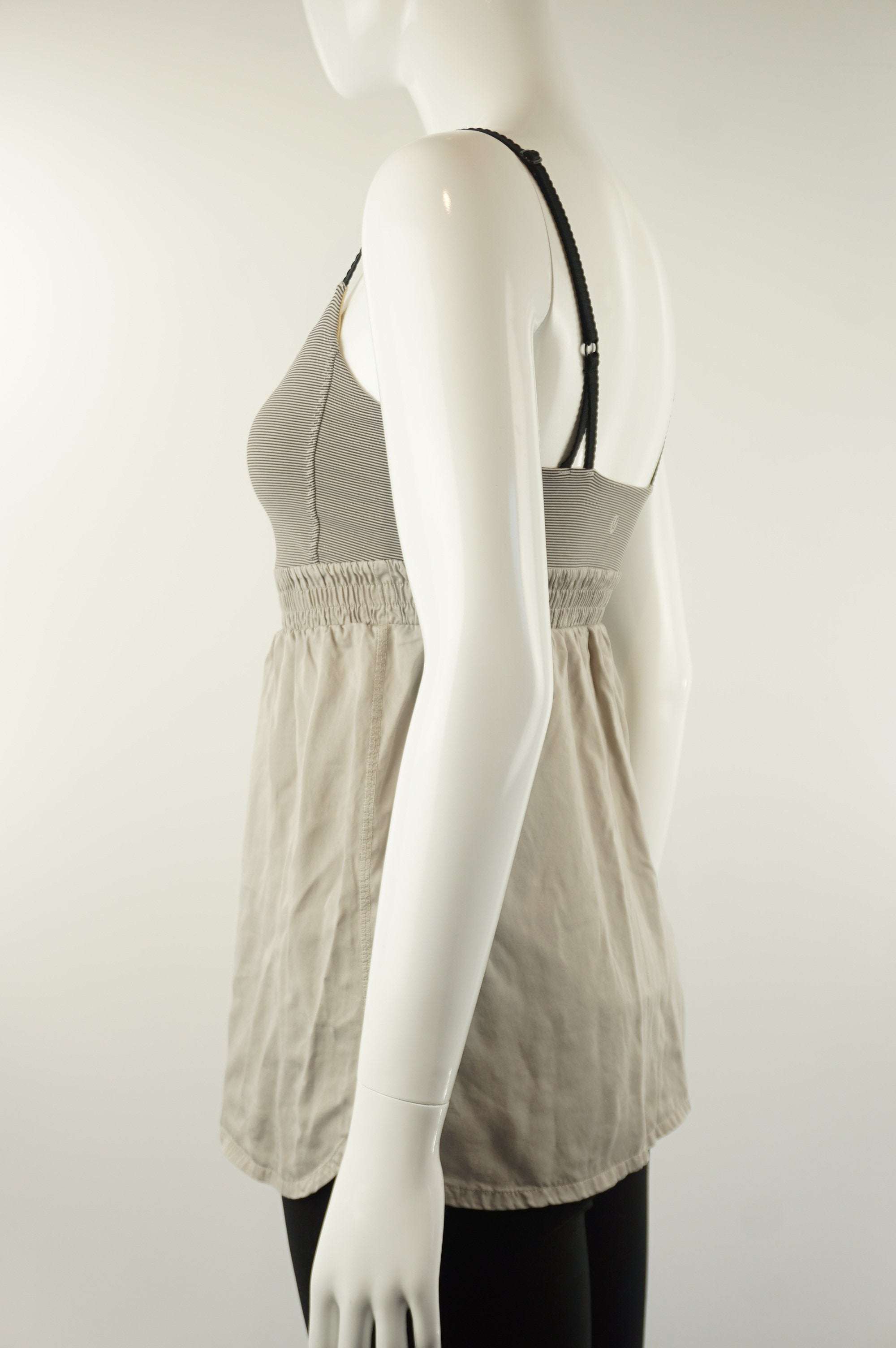 Lululemon Athletic Top, Women or girls top. Lululemon size 6. https://info.lululemon.com/help/size-chart, Grey, Yellow, Nylon, Lycra, and Spandex, Yoga, yoga pants, women's athletic wear, women's work out clothes, women's comfortable pants, fitness, fit