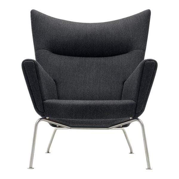 CH445 Wing Chair