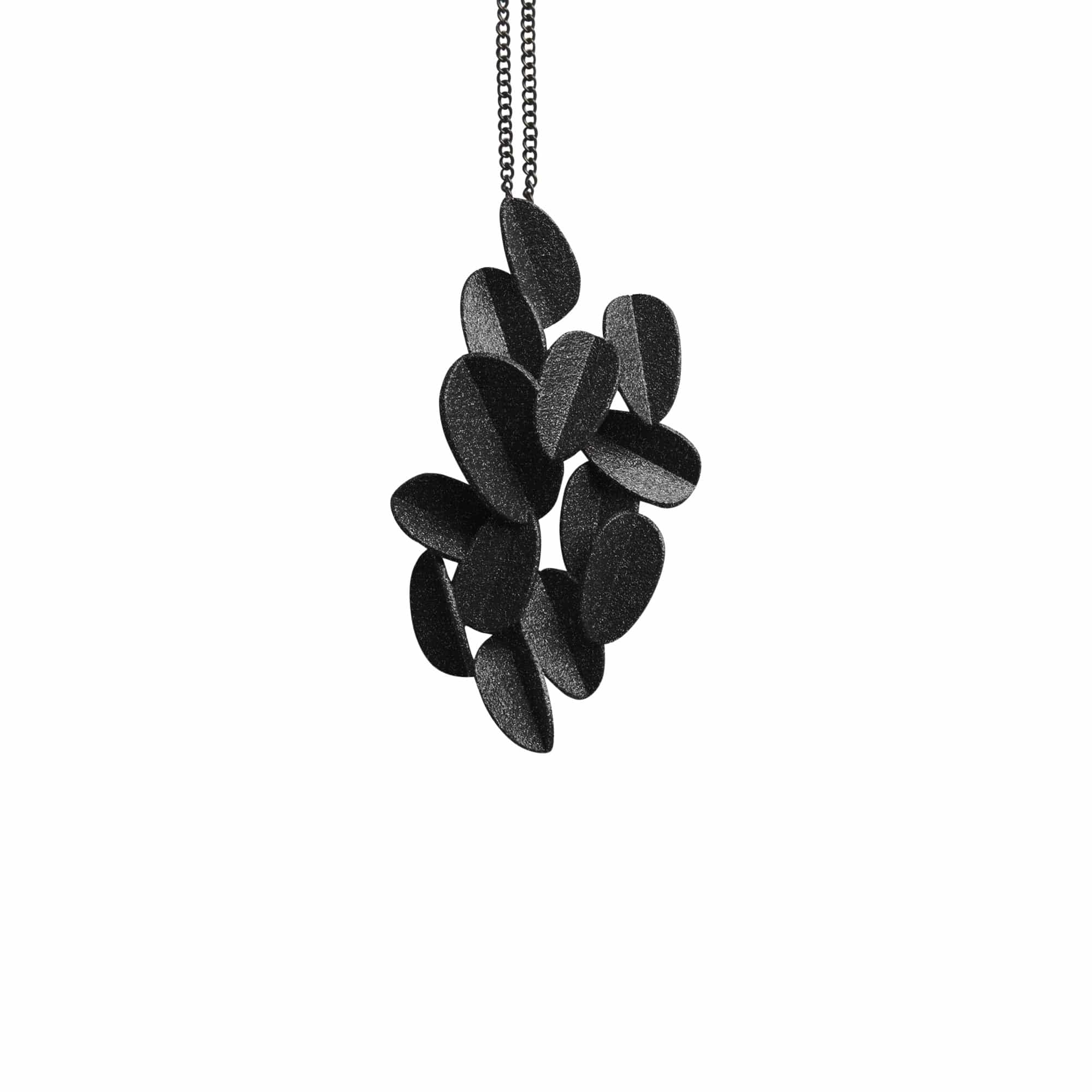 maison 203 Necklaces Black Metallic Leaves Chain Necklace