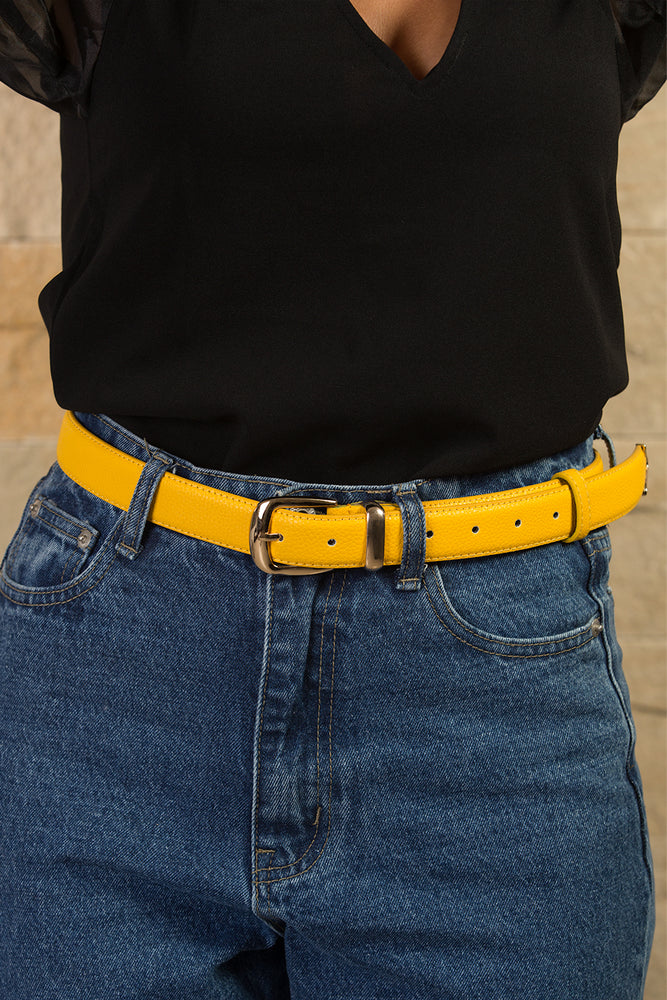 Strong yellow retro with gold buckle belt