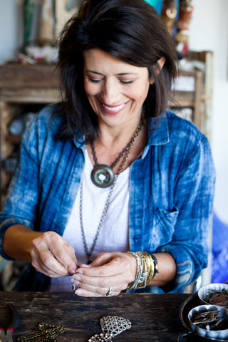 lucy Farmer jewelry making demonstration