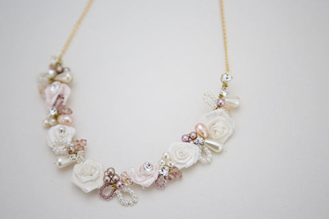 Floral Leaf Bridal Necklace Pink cream