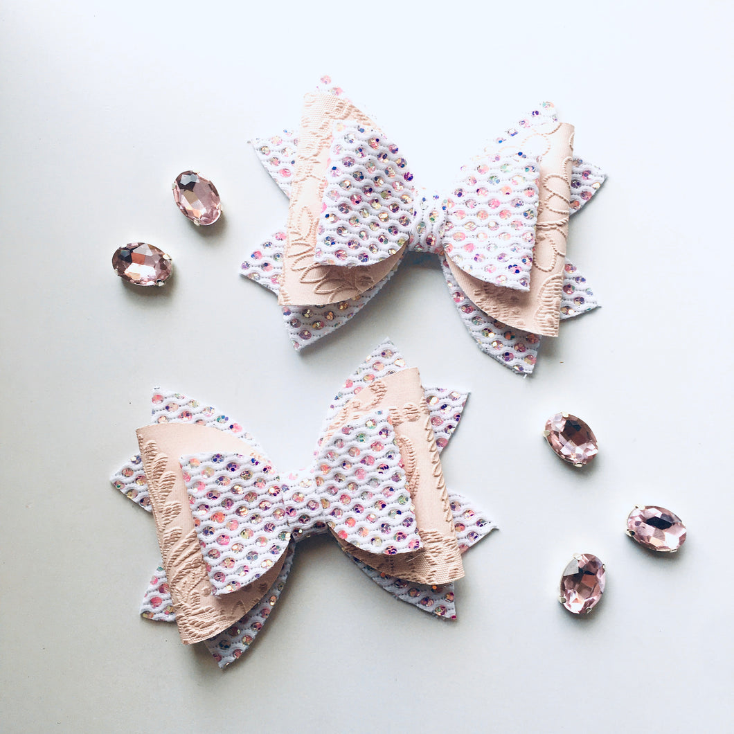 Vintage White Sequin Glitter bow