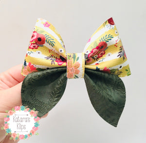 Floral Sailor Bow