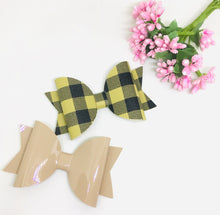 Load image into Gallery viewer, Everyday Beige Tartan Bow Pair