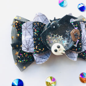 Clay Shaker Bat Halloween Bow