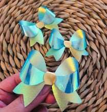 Load image into Gallery viewer, Blue Iridescent Lily bow