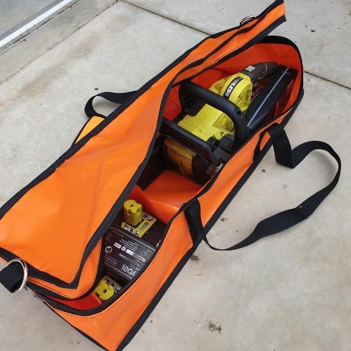 Chainsaw storage bags