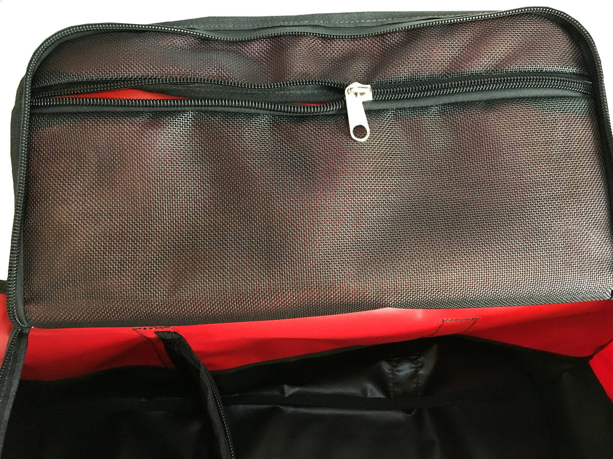 large pockets in the emergency services equipment bag