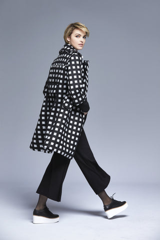 Fox Coat | Black / White