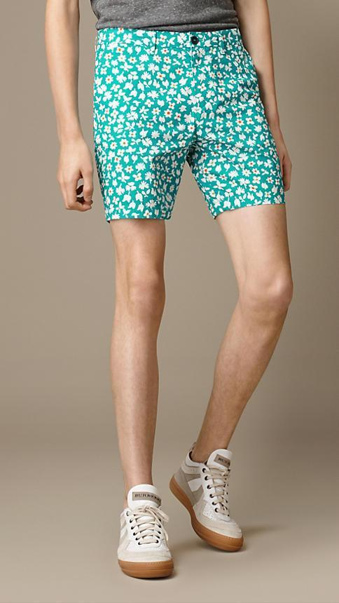 Burberry Men's Short Burberry Shorts Chino Ditzy Floral Print | CYAN GREEN