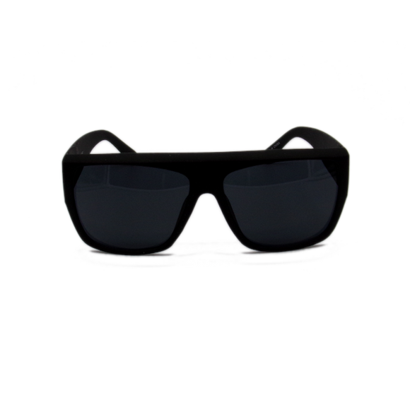 Classic larger frame sunglasses