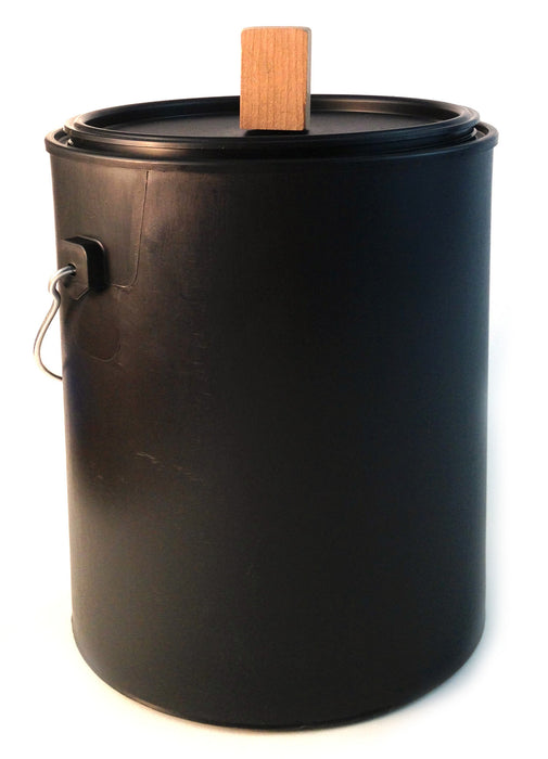 Kitchen Compost Bin - 1 Gallon Black Plastic (Polypropylene) Pail with Handle and Lid - Made of Recycled and Reclaimed Materials - Dishwasher Safe