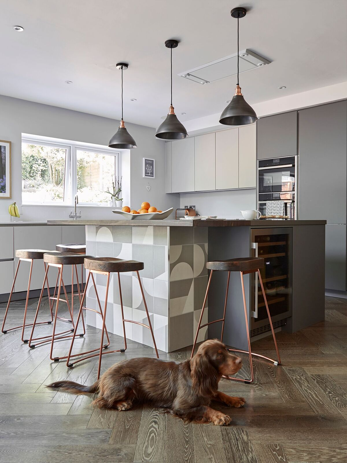 Beautiful industrial style kitchen using vintage lights