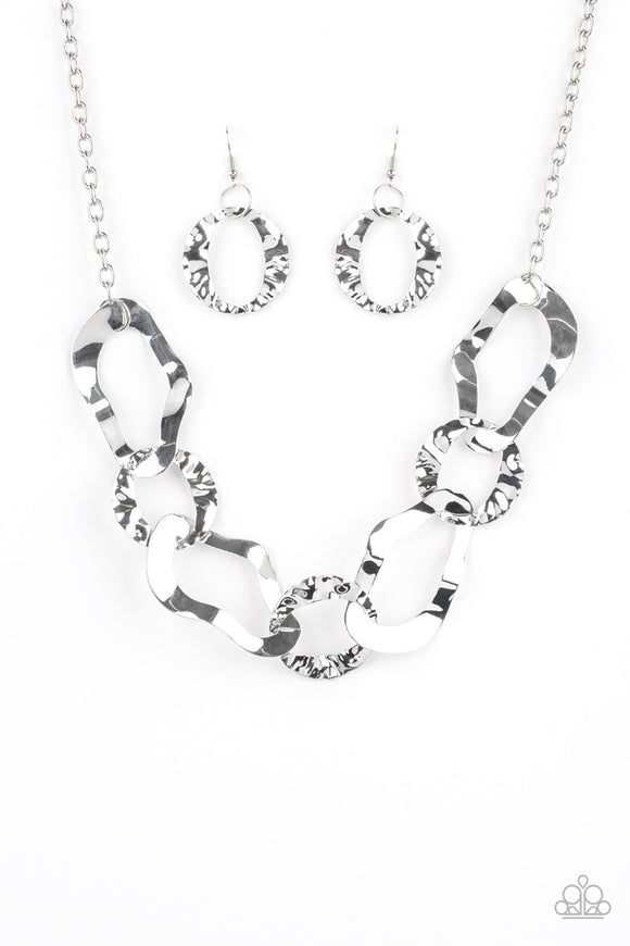 Capital Contour / Silver Necklace - Jo Glam Boutique