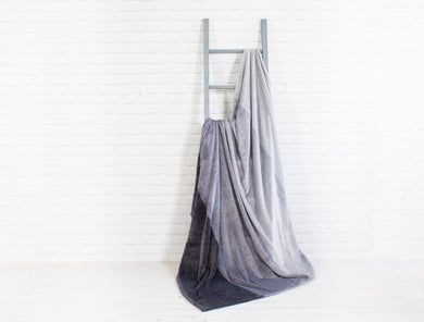 4 Shades of Grey Throw (60x70)