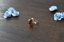 Load image into Gallery viewer, Amber Ring with Mother Of Pearl