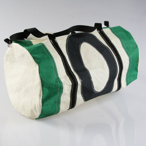 Heritage 20 Litre Green Accent Barrel Bag