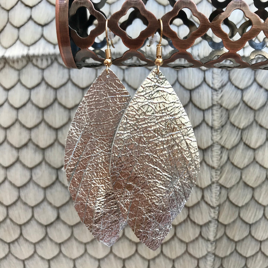 Solid Feather Earrings | 3 Colors