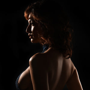 1 Speedlight Dramatic Short-Light for Boudoir Portraits with Lindsay Adler and Rogue FlashBender 2