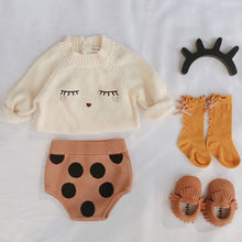 Load image into Gallery viewer, Baby Girl Winter Sweater and Knitted Bottom Set with Kitten Socks