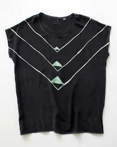 Black Angle Deco Tee Sample