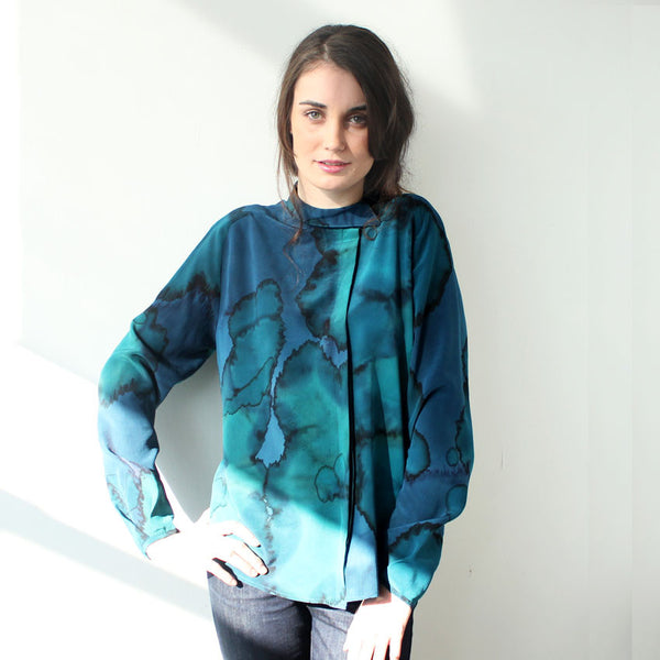 Ice Print Asymmetrical Collar Blouse Sample