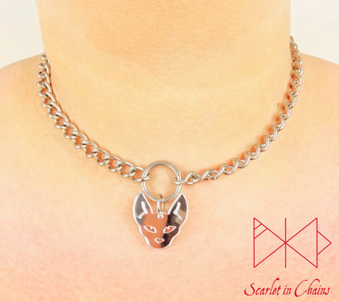 Stainless steel chain o ring choker with mirrored perspex sphynx charm