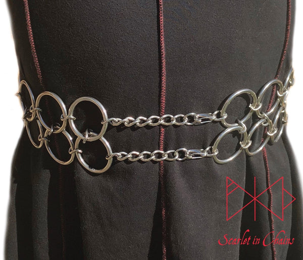 worn front shot Double O ring belt worn, a belt made from two layers of large O rings fastened by two clips with adjustable chain links