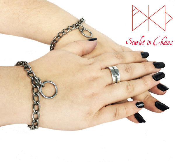 Pair of Stainless steel chain with O ring pendant Rockstar cuffs