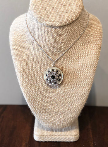 Necklace made from vintage jewelry/Round