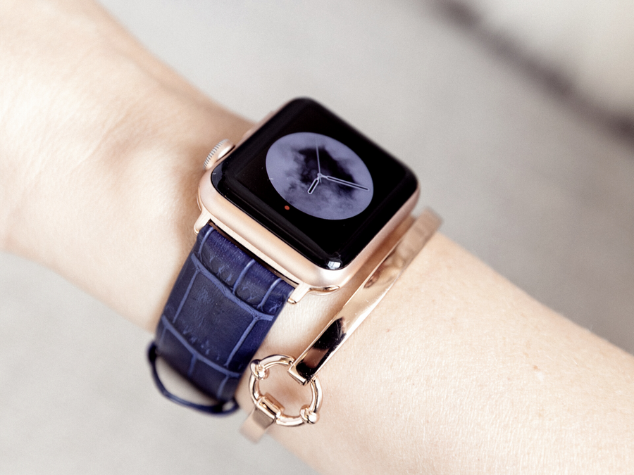 blue crocodile embossed band for the rose gold apple watch