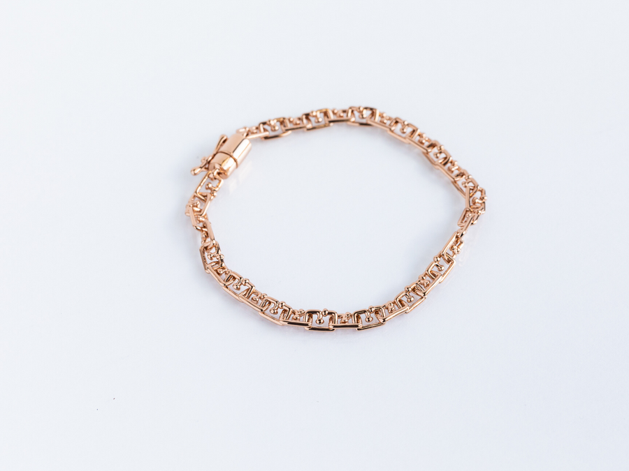rose gold g-link bracelet with magnetic clasp and reinforcing clasp for extra security