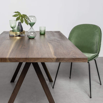 Design KNB Victoria Solid Walnut Dining Table