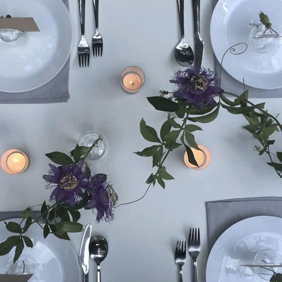 DIY Centerpieces - Minimalist Tablescape with Passionflower Vines