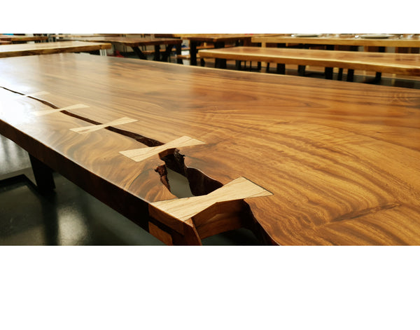 LAD004 - River Bow Tie Dining Table