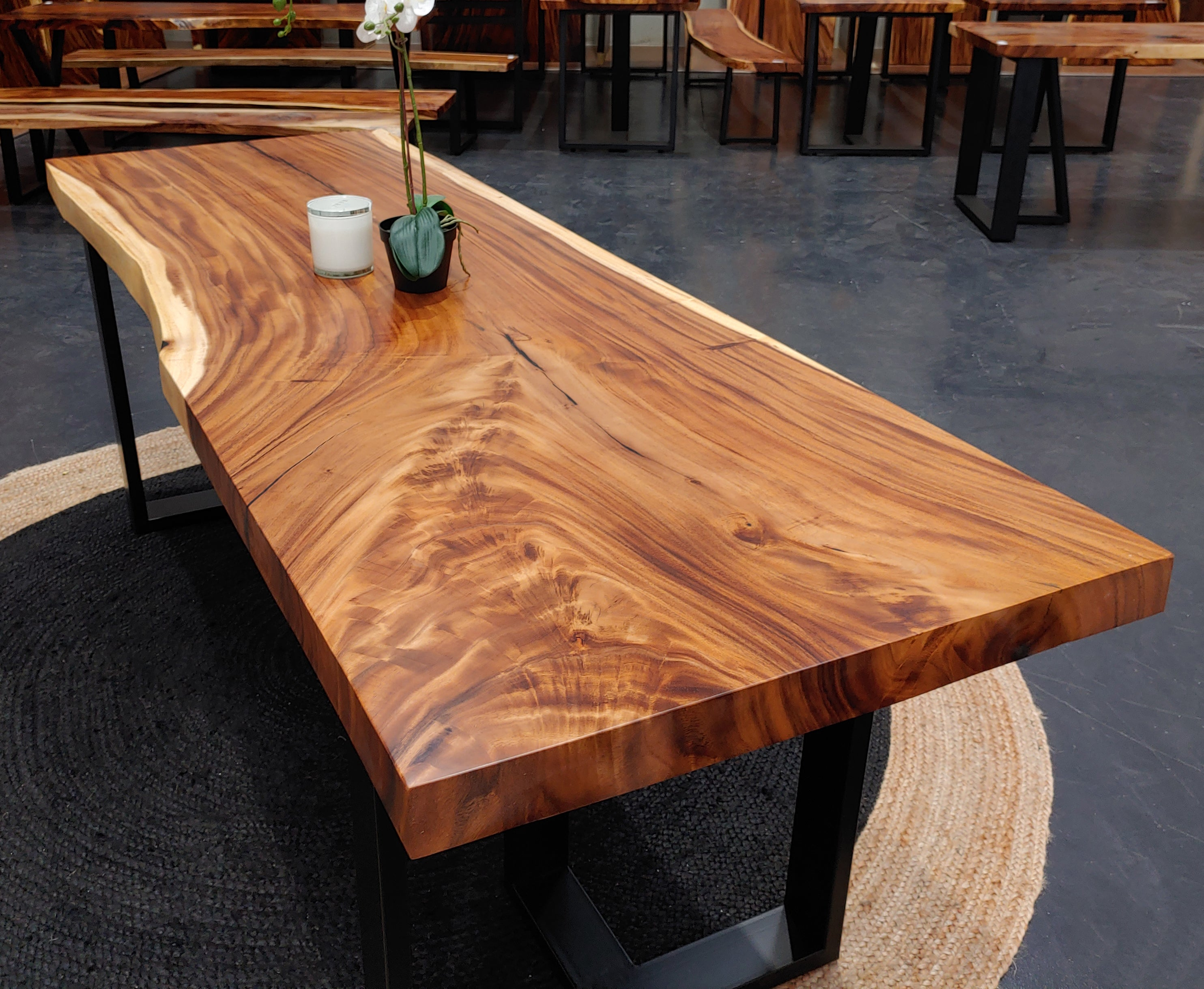 LAD029 - Live Edge Rain Tree Tabletop