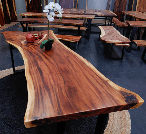 LAD017- Eureka Dining Table