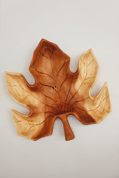 Maple Leaf Serving Platter / Christmas Serving Platter / Hand Carved Wooden Tray / Wood Serving Platter / Unique Hand Crafted Wood Pieces