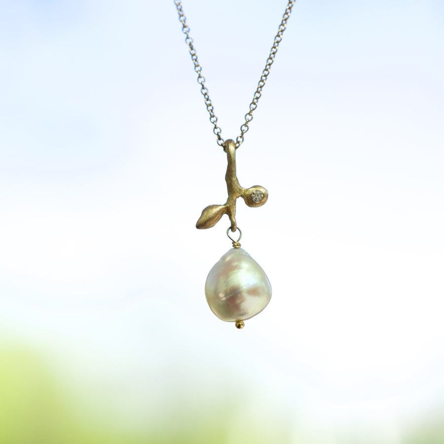 Leaf + Baroque pearl necklace