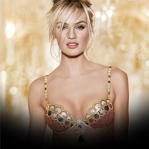 Angel Candice Swanepoel spotted wearing BFF Lashes