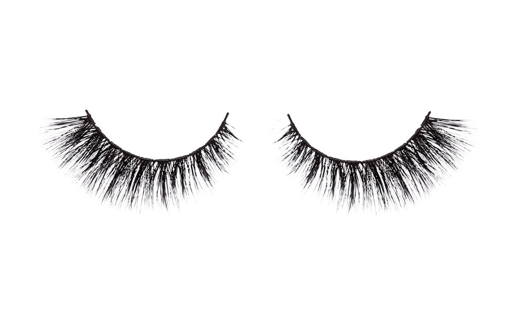 Here's how a pair of better quality silk lashes look.