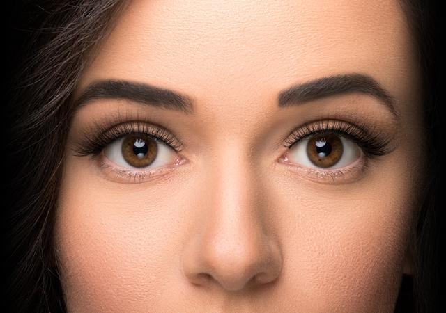 With ESQIDO Unforgettable Mink Lashes